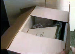 Mở vỏ thùng máy thái thịt