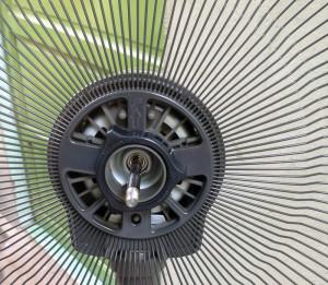Ốc giữ lồng bằng nhựa dẻo không bị nứt như loại cứng thông thường