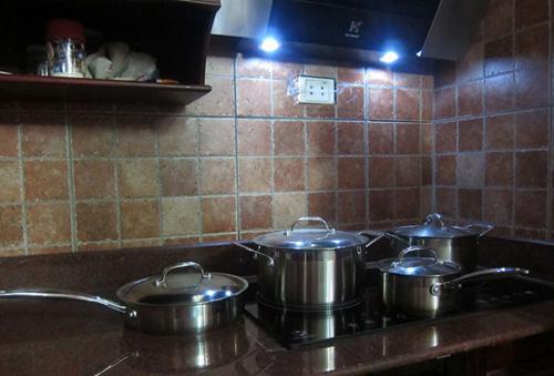 Bếp từ cần một bộ nồi riêng có khả năng dẫn từ