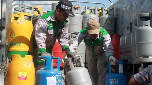 Giá gas tăng 8.000 đồng/bình từ ngày 1-5