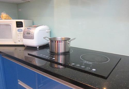 Bếp từ đẹp và sạch sẽ nhưng giá cao