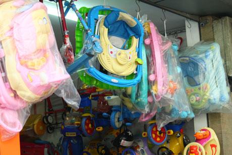 Xe đồ chơi trẻ em Trung Quốc