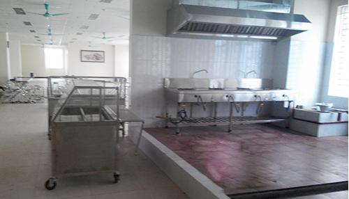 Phòng bếp trong căng tin