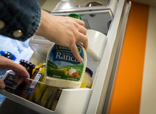 Nhiệt độ trong cánh tủ lạnh thường ấm hơn