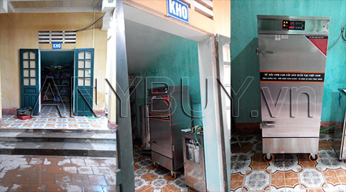 Nhân viên ANY Việt Nam vận chuyển tủ nấu cơm đến kho của nhà trường