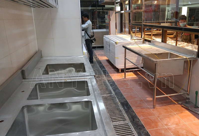 Thi công lắp đặt chậu rửa nhà hàng